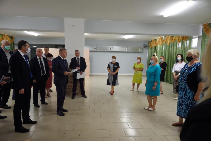 Глава Адыгеи встретился с активом станицы Ханской