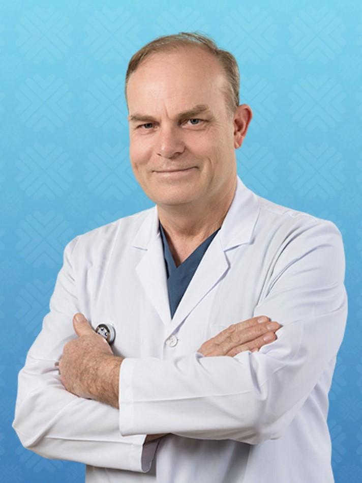 Материал «СА» о соотечественнике из Турции, враче-нейрохирурге Зеки Шекерджи