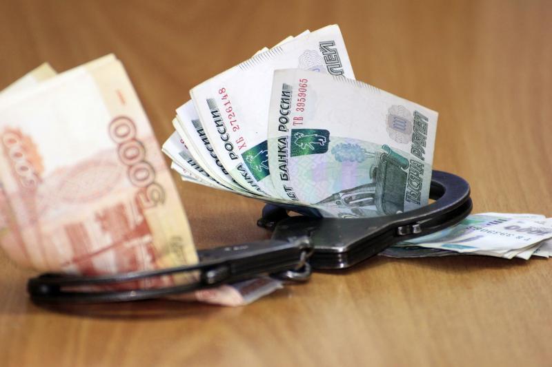 Троих экс-полицейских в Адыгее обвиняют в получении взятки