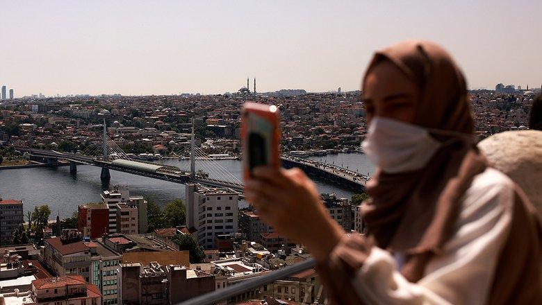Турция разрешила въезд без теста только привитым «Спутником V» россиянам