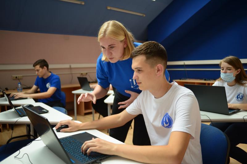 В Адыгее открылся Центр цифрового образования для детей «IT-куб»