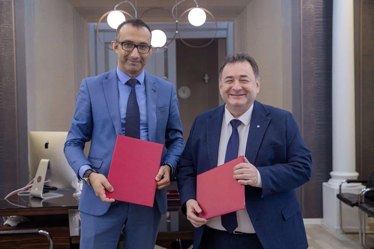 ЦУР Адыгеи и АГУ подписали соглашение о сотрудничестве