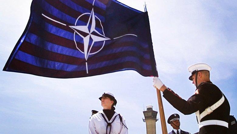 Reuters: министры обороны НАТО в Брюсселе согласуют новый план противодействия России